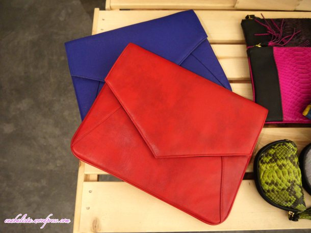 Hmuse Red and Blue Clutch Enabalista