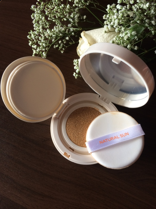 The Face Shop Natural Sun Smart Cushion Review 2