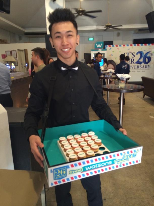 Watsons on Wheels Cupcake Boy Blogger Enabalista